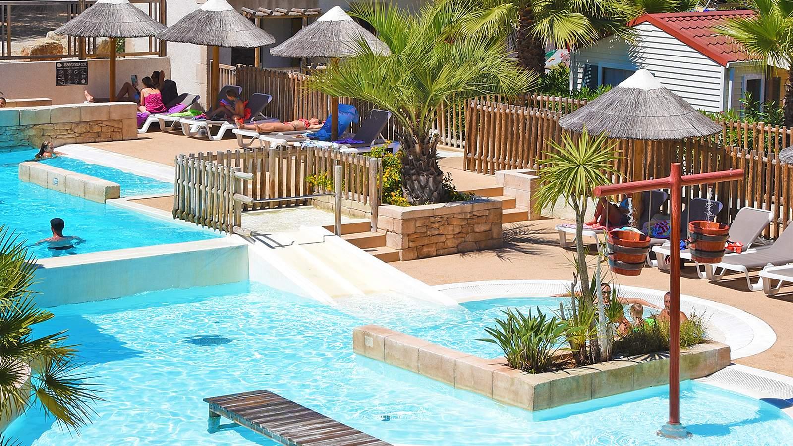 Espace aquatique camping la treille cavalaire sur mer for Camping dans le var bord de mer avec piscine